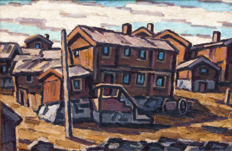Lutande hus i brunt och grått